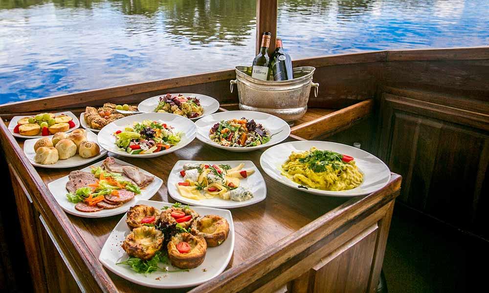 Lunch Cruise Ra-Ikane Victoria Falls Zambezi River