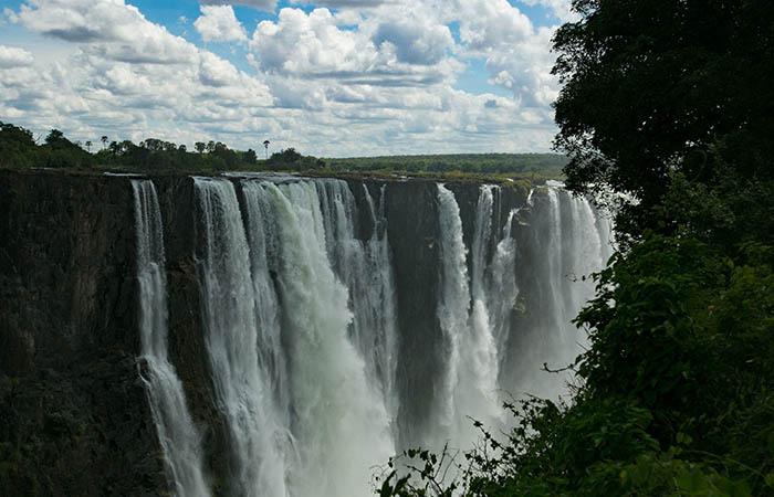 Raikane Victoria Falls Dry Season